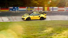 670198_911_gt2_rs_world_record_nuerburgring_2017_porsche_ag