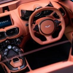 Aston-Martin-Vantage-Roadster2020