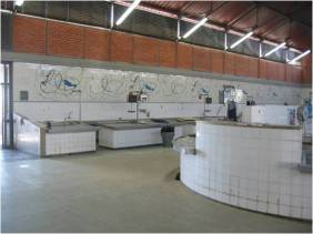 Um dos azulejos da vida de Filomena Serra | Costa Pinheiro (1932-2015), Olhão, Mercado Municipal de Olhão, 2003 [© Galeria Ratton | http://galeriaratton.blogspot.pt/2009_01_01_archive.html]