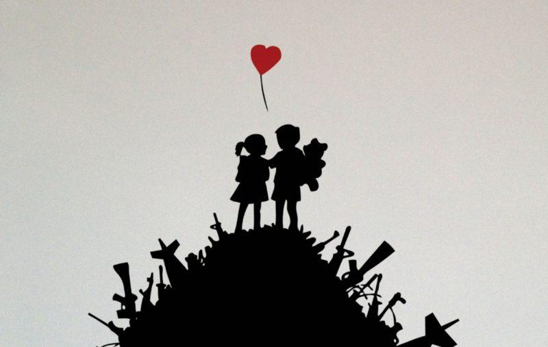 banksy_love_not_war_1