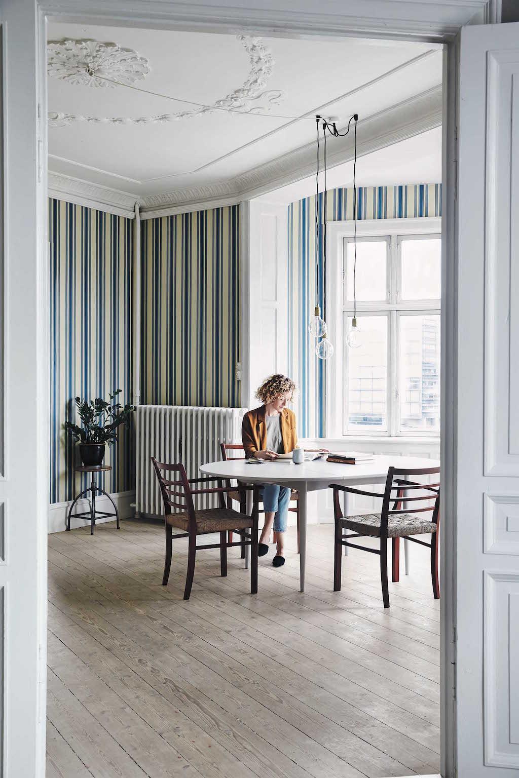Nathalie Schwer, Kopenhagen Die Stylistin verändert in ihrer Wohnung häu g die Raumauf- teilung und das Mobiliar.