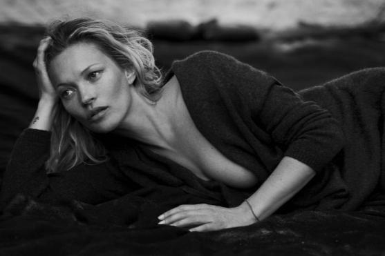 kate-moss-by-peter-lindbergh-for-naked-cashmere-fall-2016-ad-campaign-1