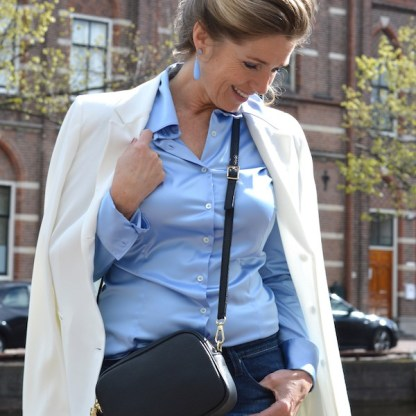 glans_blouse_licht_blauw_switch_4