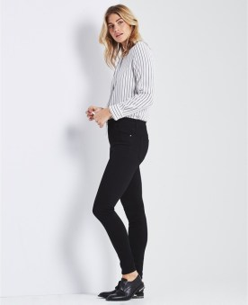 ag_jeans_the_farrah_skinny_black_als_set_zijkant