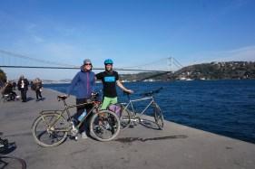 Brücken und Räder verbinden Kontinente