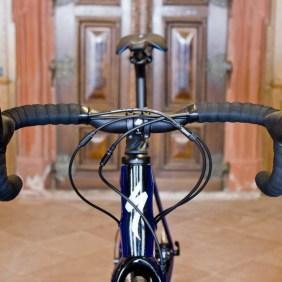 Specialized Roubaix in historischen MauernSpecialized Roubaix in historischen Mauern