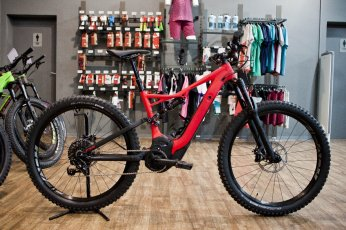 Specialized Levo FSR Comp 6Fattie 2018 27.5+ in rocket red