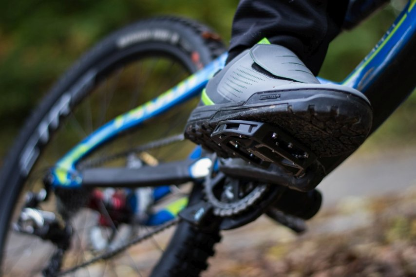 Shimano SH GR9 mit GR500 Pedal in Action