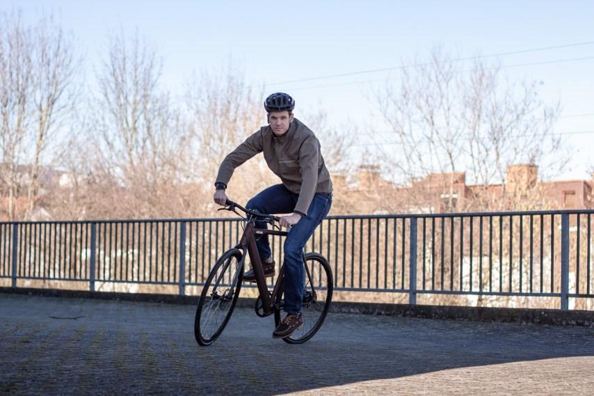 Mit Schwung Richtung mobiler Revolution: Smarte Leichtbau-E-Bikes von Coboc ab sofort erhältlich bei HIBIKE.