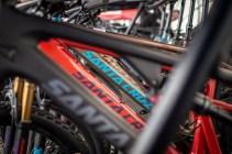 Santa Cruz Bikes konnten in allen erdenklichen Farben und Formen getestet werden.