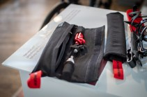 Die Tasche bietet Platz für kleine Werkzeuge oder einen Schlauch.