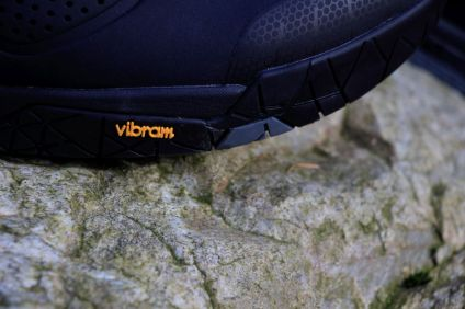 Dank der Zusammenarbeit mit Vibram konnte eine Sohle entwickelt werden, die sowohl Gehkomfort, als auch Grip auf den Pedalen bietet