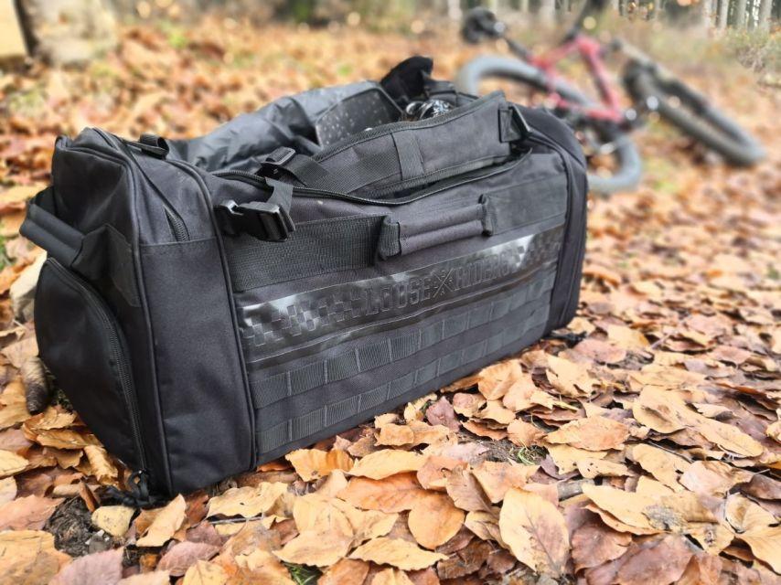 Tasche auf dem Trail
