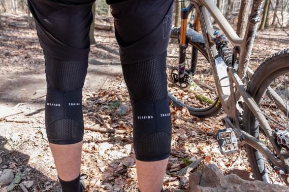 Die Belüftungszonen an der Beinrückseite sorgen für langanhaltenden Komfort