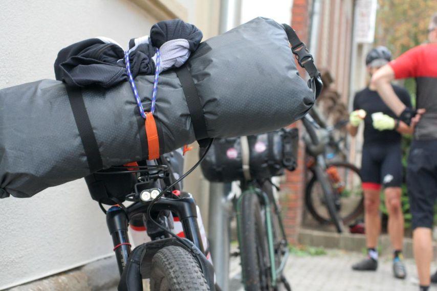 Die Frage beim Bikepacking: Koffer oder Fahrrad?