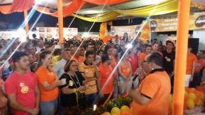 Candidato a prefeito pelo PSB de Rio Tinto, discursa para militância