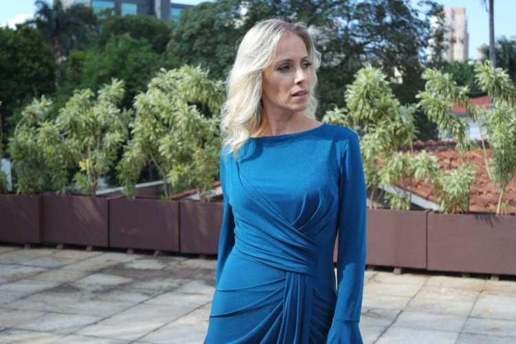 vestido midi azul drapeado inverno alphorria