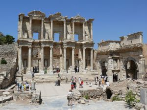 1280px-Celsus_library_in_Ephesus