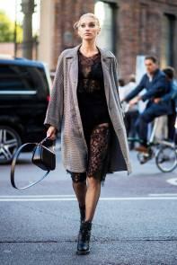 victoria-secret-unlined-bra-outfits-elsa-hosk-josephine-skriver