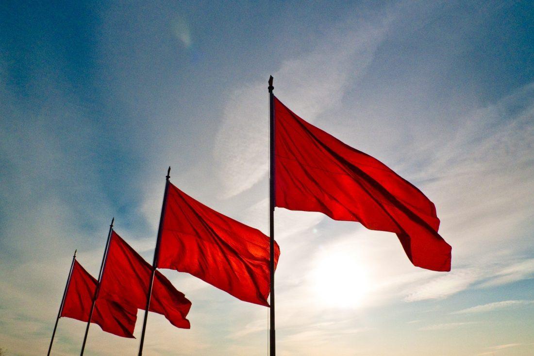 Bandeira vermelha patamar 2