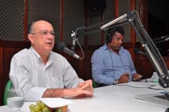 Entrevista na R_dio Povo - foto Silvio Tito (1)