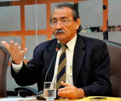 José Adécio pede recuperação de estrada