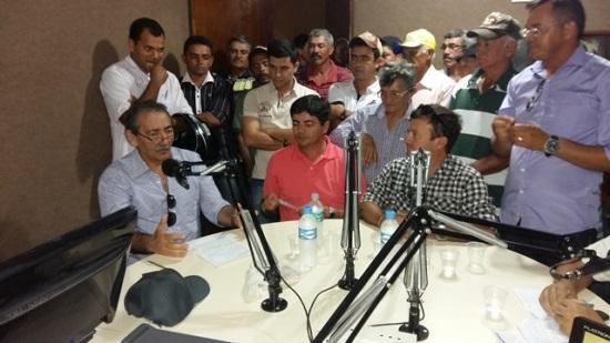 Deputado José Adécio entrevistado na rádio de Araruna/PB