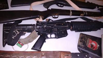 Armas apreendidas durante a operação policial