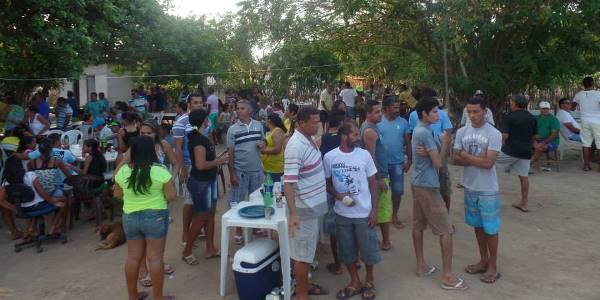 Festa reuniu amigos e populares//Fotos: Luzinete Vitoriano
