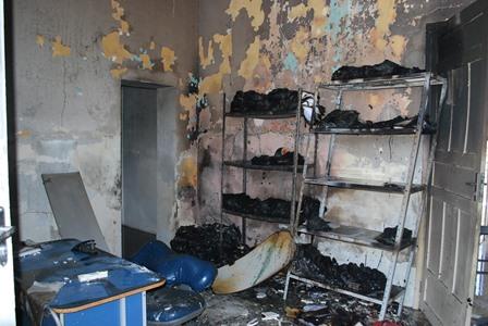 Toda a documentação foi queimada(Foto:Angicos Notícias)