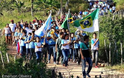 Alunado da zona rural participam de desfile cívico alusivo ao 7 de setembro em Taipu