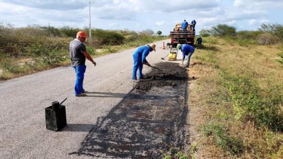 Na ação conjunta o Executivo estadual forneceu o material e o Município a mão de obra (Foto: Sezimar Fonseca)