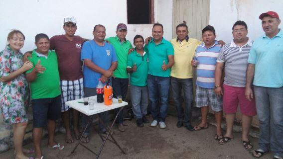 Oposição comemora adesão de Luiz de Beca