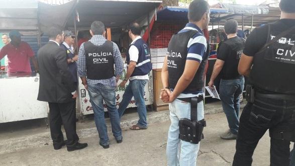 Dois suspeitos foram detidos por pirataria