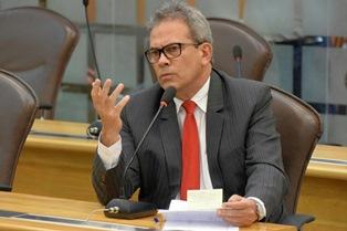 Deputado estadual Hermano Morais