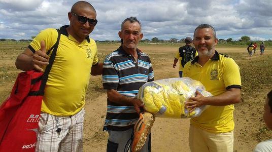 Secretário de Esporte Novinho entrega material esportivo no Amazonas