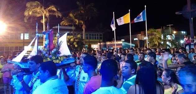 Barco com imagem peregrina chega ao Santuário