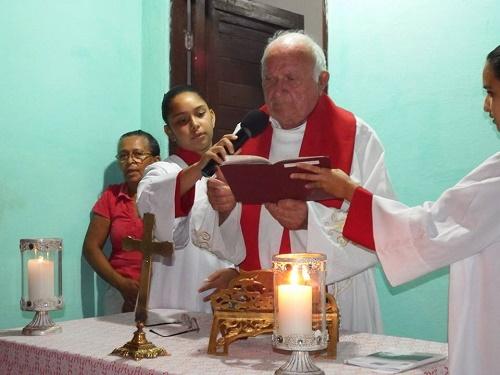 Monsenhor Lucena celebrou a 2ª noite do tríduo