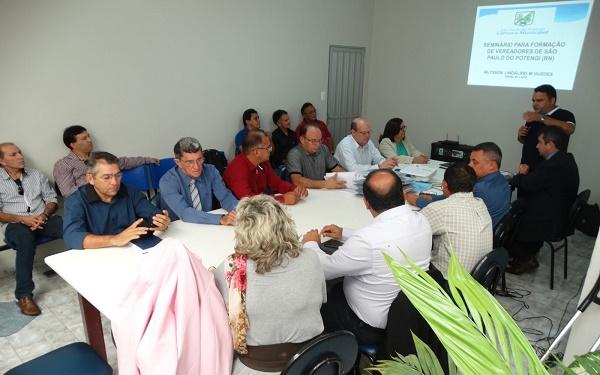Vereadores participam de capacitaçãoi (Foto: SPP News)