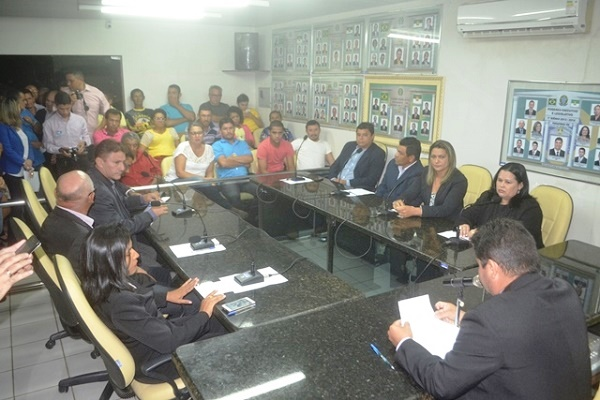 Sessão de abertura do Ano Legislativo em Parazinho (foto: Marco Montoril)