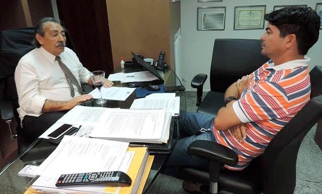 José Adécio recebe vice-prefeito Demar de Monte das Gameleiras