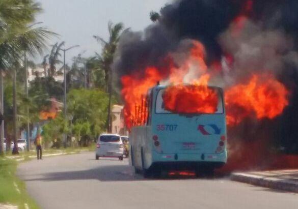 ônibus incendiado na Barra do Ceará
