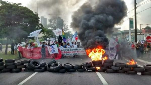 Manifestação na BR 101 norte
