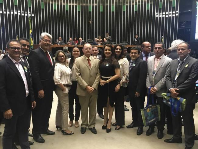 Prefeita de Jardim de Angicos, Suely Fonseca participa do evento