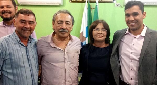 Resultado de imagem para José Adécio prestigia posse de presidente da Câmara Municipal de Riachuelo