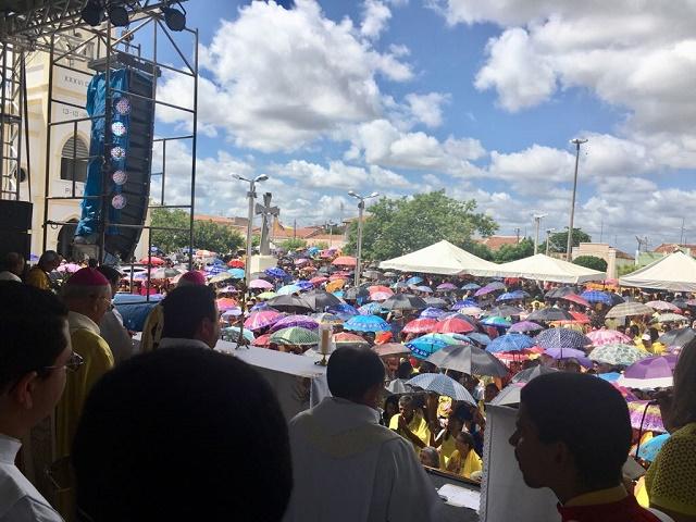 Resultado de imagem para Angicos: Missa do agricultor no dia de São José reúne milhares de fiéis