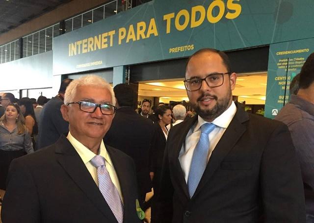 Resultado de imagem para Pedra Grande: Presidente da Câmara, Pedro Henrique acompanha prefeito Valdemir em viagem a Brasília