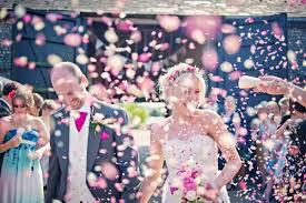 El confeti en las bodas