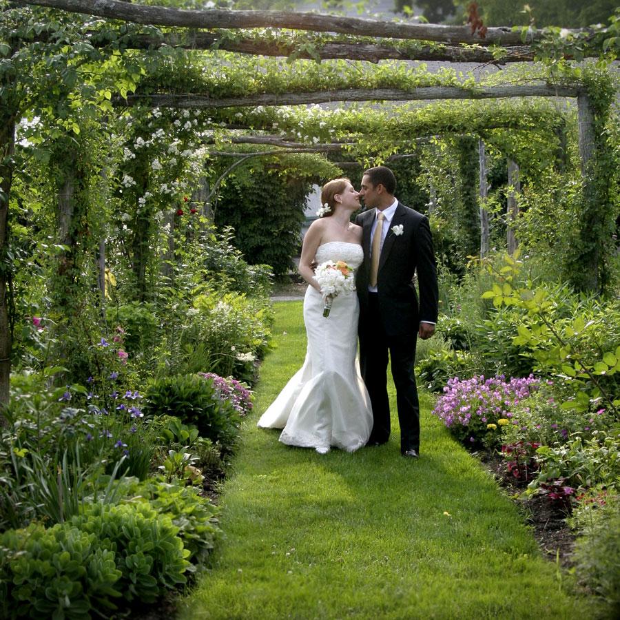 Celebra tu boda en un bonito jardín al aire libre