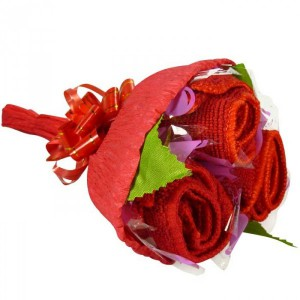 Ramo de rosas hecho con toallas